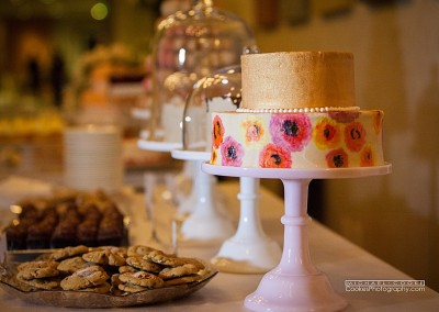 Organic-Painted-Buttercream-Cake-Mammoth-Lakes-Wedding-Expo-Cookes-Photography