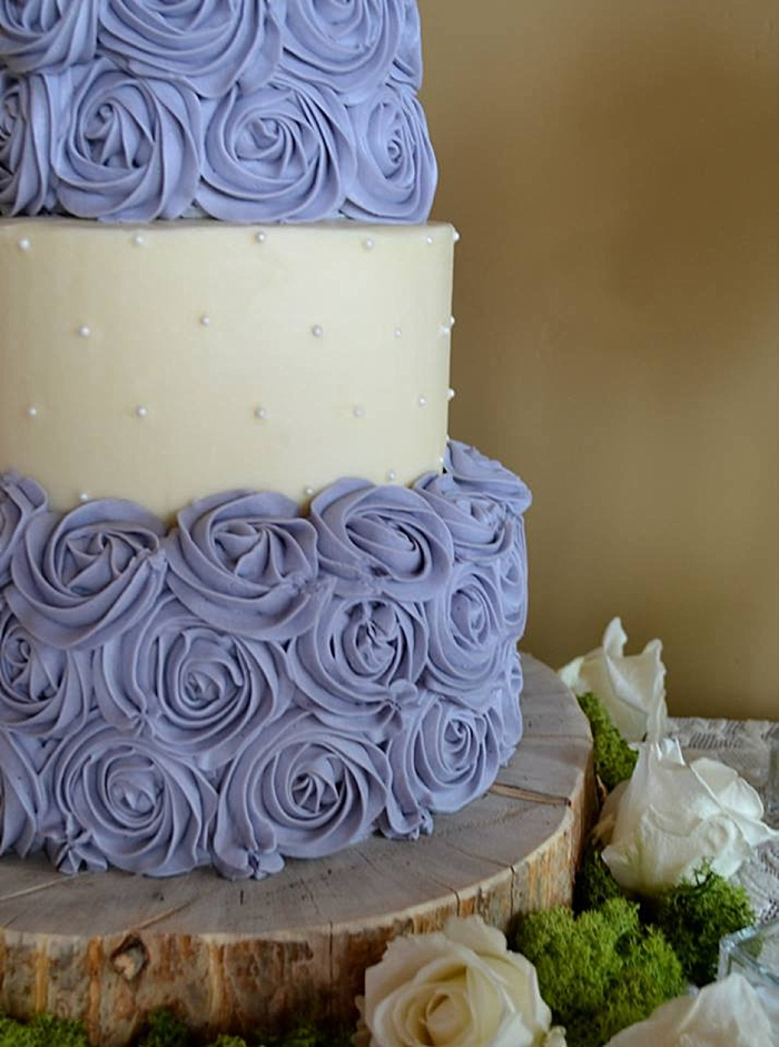 Lavender Rosette wedding cake | Mountain Cakery in Mammoth Lakes California
