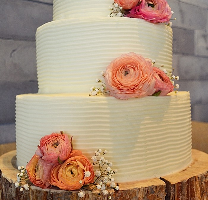 Mountain Wedding Cake Trends | An Interview with the Mountain Cakery